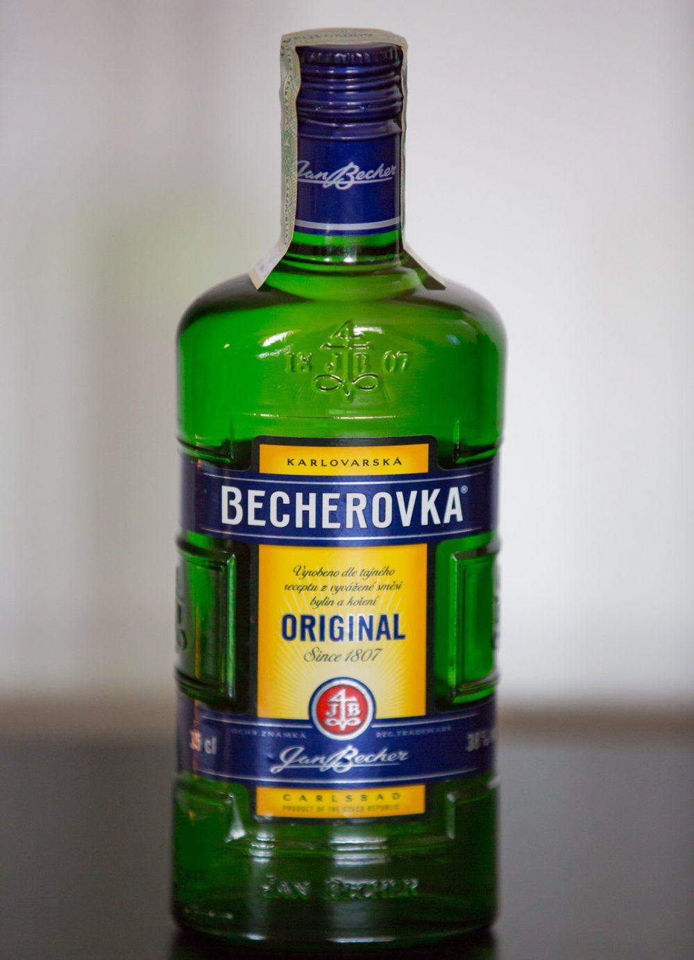 Een fles Becherovka