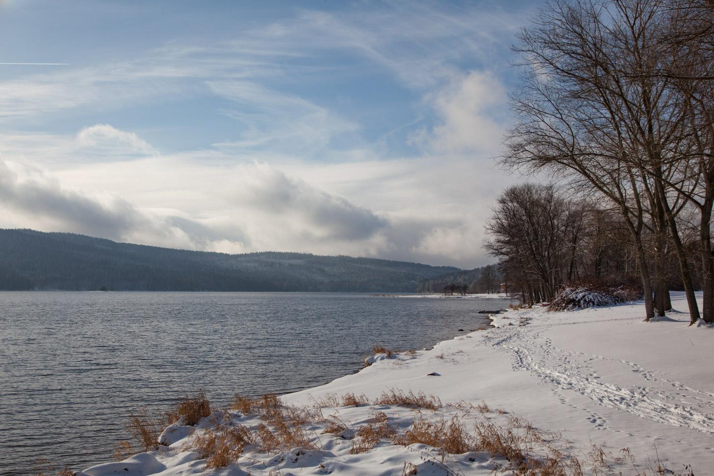 Winterse taferelen in Tsjechië: sneeuw en kou